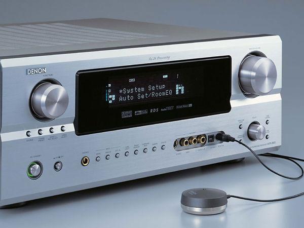 Microphone de calibration automatique d'un ampli home-cinéma