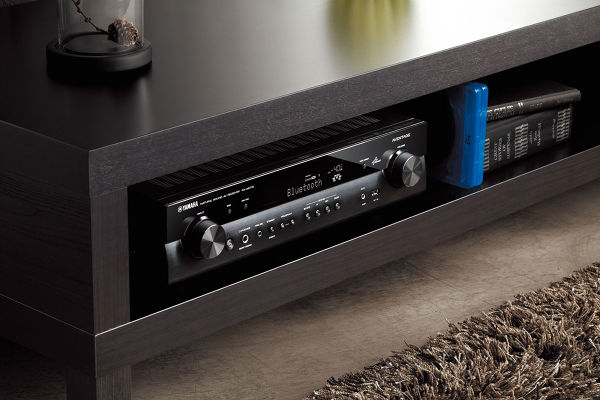 L'ampli audio-vidéo Yamaha RX-AS710.