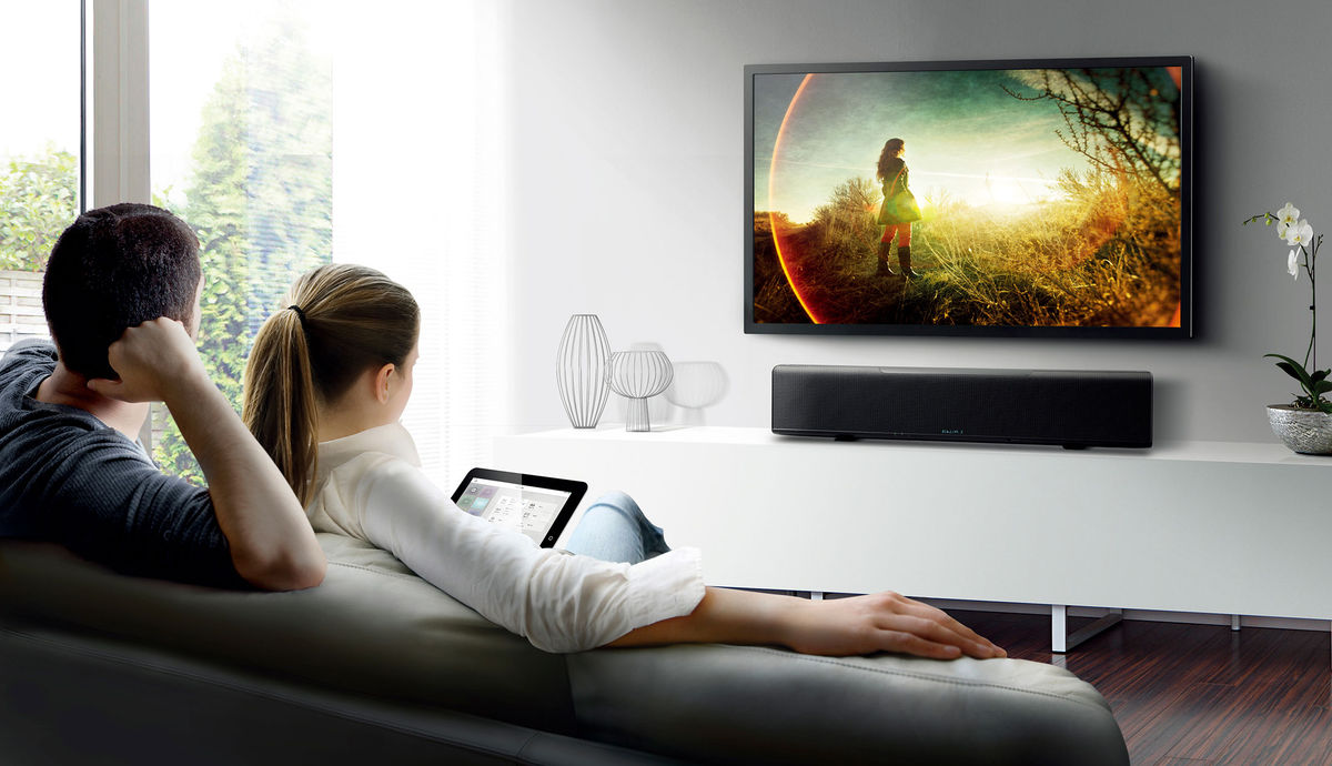 A Quelle Hauteur Mettre Une Tele Au Mur comment installer un home cinéma dans un petit espace ?