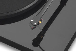 Pro-Ject Debut 3 DC OM10e