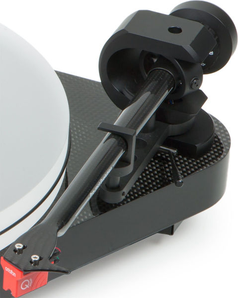 Bras Pro-Ject 9 pouces en Carbon et cellule MC Ortofon Quintet Red
