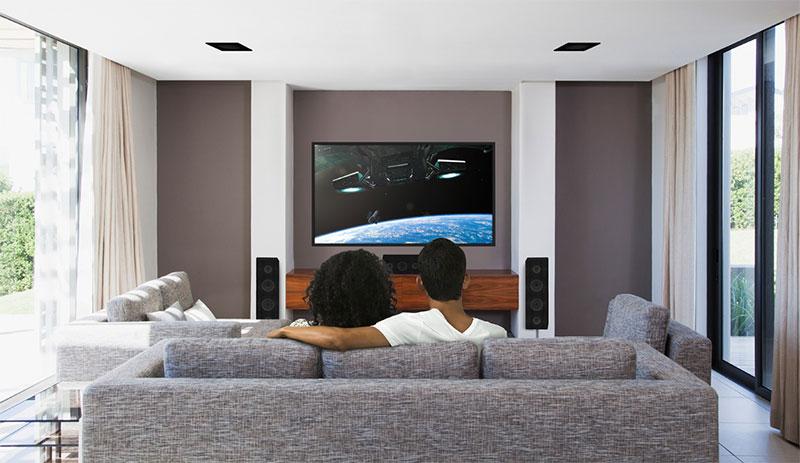 Configurations Dolby Atmos avec enceintes d'effets Dolby Atmos encastrées au plafond