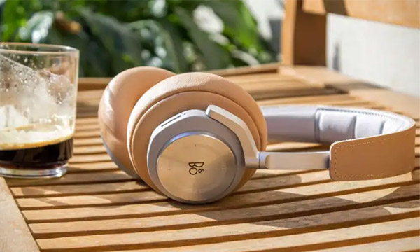 Test :                                                                         BeoPlay H7