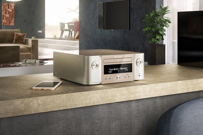 L'ampli connecté Marantz M-CR612 issu de la gamme Marantz Melody.