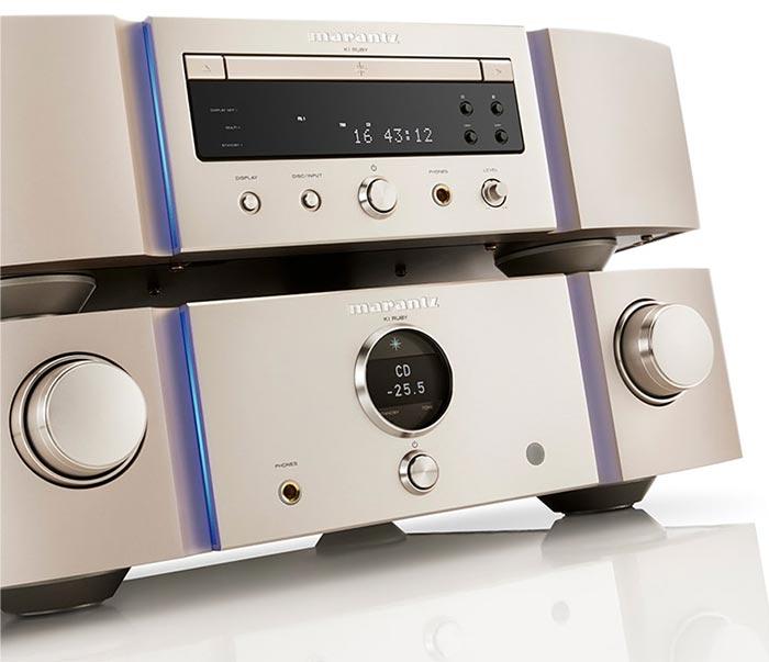 L'ampli Marantz PM-KI et le lecteur CD Marantz SA-Ki, fleurons de la gamme Ruby.