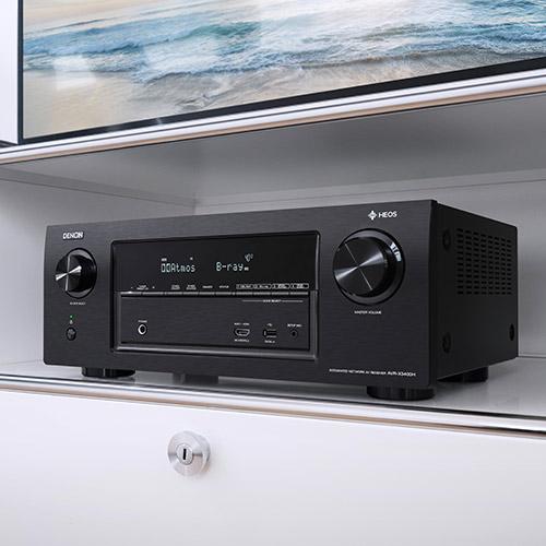 Ampli home-cinéma Denon AVR-X6400H.