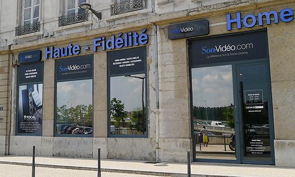 Vitrine du magasin Son-Vidéo.com de Lyon.
