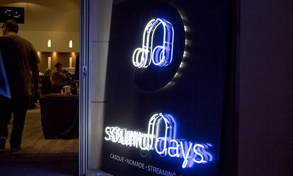 Le logo des Sound Days dans un installation lumineuse.